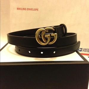 Accessories - Gucci 0.8 inch black leather gold gg buckle belt